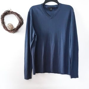 Kenneth Cole V neck sweater size L